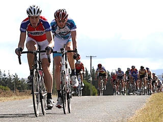 Jarrod Alty leading Karl Murray, 2010 Nationals
